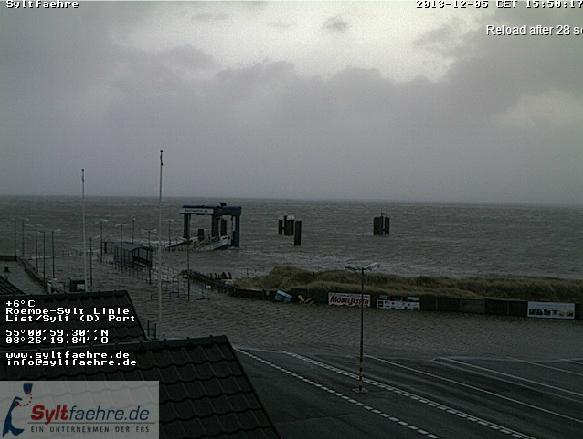 Der Lister Hafen gegen 16 Uhr (5.12.2013; Quelle: syltfaehre.de)